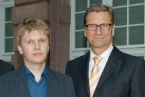 "Roman Ondák, Deutsche Bank's ""Artist of the Year"" 2012, and Dr. Guido Westerwelle, Foreign Minister, at the Deutsche Guggenheim"