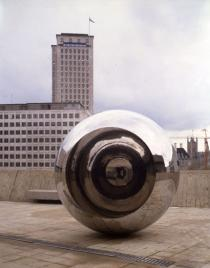 Anish Kapoor, Turning the World Upside Down III, 1996, Deutsche Bank Collection
