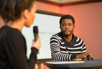 Thabiso Sekgala discusses his work, Villa 102, Frankfurt, April 2013. © KfW Stiftung, Foto: Carsten Fork