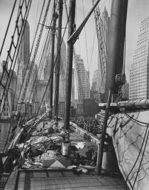 Berenice Abbott, Theoline, Pier 11, East River, N.Y., 1936. Deutsche Bank Collection. � Berenice Abbott / Commerce Graphics Ltd, Inc.