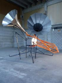 Alberto Tadiello, LK100A, 2010. metallic structure, electrical motor, manual siren, cabling. Courtesy T293, Naples