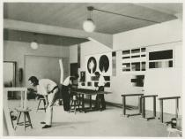 Unknown photographer, The Mural Workshop, Bauhaus Dessau, 1926. Courtesy Bauhaus-Universität Weimar, Archive der Moderne