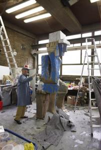 "Georg Baselitz working on ""Volk Ding Zero - Folk Thing Zero"". © Martin Mueller Fotografie"