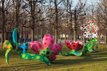 Yayoi Kusama, Flowers that Bloom at Midnight, 2009. Installation view at Jardin des Tuileries, Paris, 2011/12. Courtesy of Gagosian Gallery
