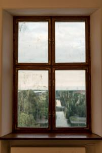 Iza Tarasewicz, Dust, installation view Centre for Contemporary Art, Warsaw. Photo: Bartek Gorka