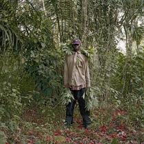 Pieter Hugo, John Kwesi, Wild Honey Collector, Techiman District, Ghana, 2005. © Pieter Hugo, Courtesy Yossi Milo Gallery, New York and Stevenson Gallery, Cape Town