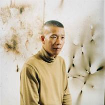 Portrait of Cai Guo-Qiang.Photo: Donald Milne. © Sammlung Deutsche Bank