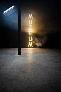 Paulina O³owska (in collaboration with Mateusz Romaszkan), MUZEUM (Museum), 2008; Photo: Bartosz Stawiarski; Courtesy of the artist and Museum of Modern Art in Warsaw