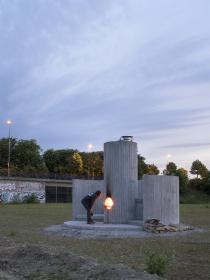 Oscar Tuazon, Burn the Formwork, 2017