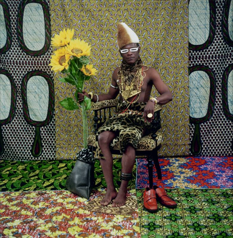 Samuel Fosso, The Chief (the one who sold Africa to the colonists), 1997. © Samuel Fosso, Courtesy JM Patras / Paris
